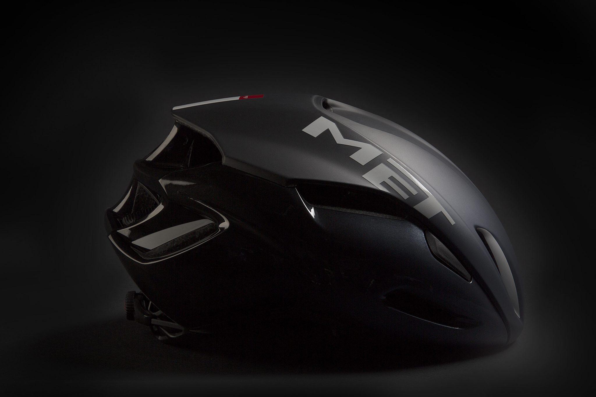 met-helmets-manta-side